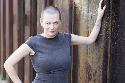 Pinkstudies-Angelina-Devine-Photography-Confidence-Expression-500x361